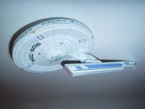 USS Xerxes o meu primeiro modelo, que acabou sendo destruido por um cruzador D 7 (a minha mão que o transformou numa bola de papel)