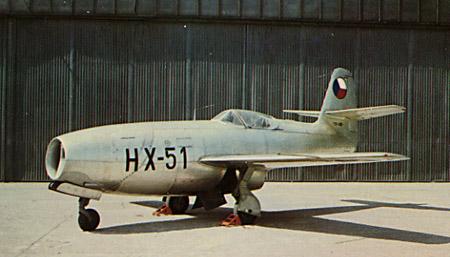 """Um dos ultimos caças """"single seat"""" Yakovlev, o Yak-23, surgiu tarde demais para operar como caça de linha de frente. Este exemplar está nas cores da Polícia Aérea Tcheca, com matrícula civil da República Tcheco-Eslovaca."""