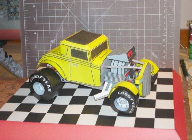 Exemplo de modelo de papel, Ford 32 Hot Rod (modelo gratuito escala 1/24)